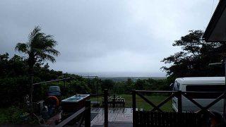 雲も広がり雨も降りグズついた空模様となっていた9/1の八丈島