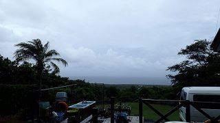 朝方雨は残りはするが次第に空は明るくなってきていた9/8の八丈島