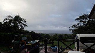 早めのうちは雨が降ったり止んだりだった10/8の八丈島