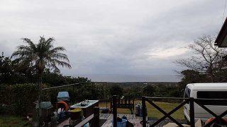 雲も広がり雨は降ったり止んだりだった11/27の八丈島