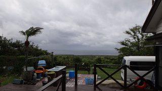 時折雨も強まって涼しい天気が続いていた5/9の八丈島