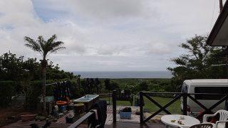 広がる雲からパラパラと雨も降りだしてきたいた5/23の八丈島