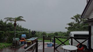 雨風強まり荒れた天気となっていた6/18の八丈島