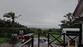 早めのうちは雨も降り風も強まっていた6/24の八丈島