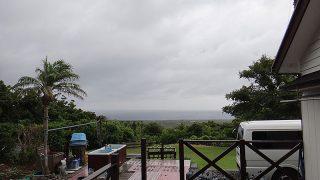 風は強まり次第に天気は崩れてきていた7/27の八丈島