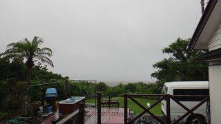 雨風次第に強まっていて荒れた天気となっていた7/28の八丈島