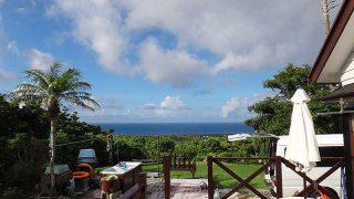 青空見えるが雨も降り落ち着かない空模様となっていた7/30の八丈島
