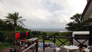 早めのうちは雨も強まり雷も鳴っていた8/10の八丈島