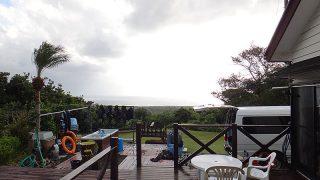青空広がる時間帯もあるが雨も降ってた10/21の八丈島