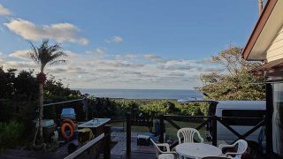 日中は青空広がり穏やかな天気となっていた11/6の八丈島