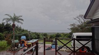 冷たい雨も降っていて厳しい寒さとなっていた12/15の八丈島