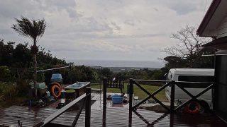 寒さは緩むが雨風強まり荒れた天気となっていた1/20の八丈島