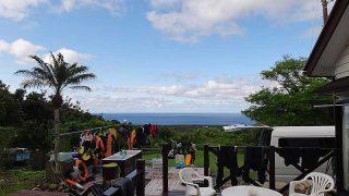 風は少し涼しいが青空広がり日差しは強くもあった5/12の八丈島
