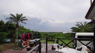 雲は広がりパラパラと雨も降ってきていた6/2の八丈島