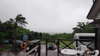 朝は土砂降り雨も降ってはいたが日中は青空広がっていた6/10の八丈島