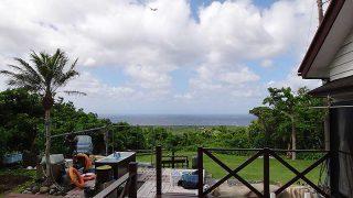 青空広がり天気は回復してくるが風は強く吹き続いていた6/16の八丈島