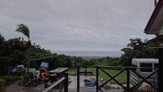 雨は次第に上がってくるが風は強くもあった6/28の八丈島
