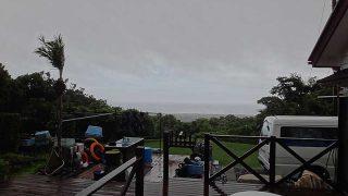時折激しい雨も降りグズついた空模様が続いていた7/2の八丈島