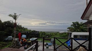 曇は広がりどんよりとした空模様となっていた7/3の八丈島