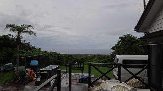 風が強まるにつれ雨は上がってきていた7/26の八丈島