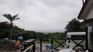 風は強まり次第に雲は増えてもきていた8/16の八丈島