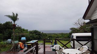 次第に雨は上がってくるが雲は広がっていた11/19の八丈島
