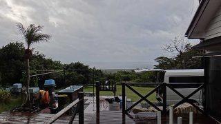 パラパラと雨も降ってはいるものの暖かさは続いていた12/9の八丈島
