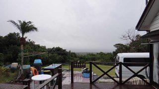 強まる雨は弱まるもののグズついた空模様となっていた12/17の八丈島