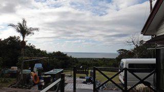 広がる雲はあるもののの日差し差し込み暖かくもなっていた1/7の八丈島