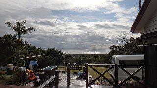 雲は広がりスッキリしない空模様となっていた1/11の八丈島