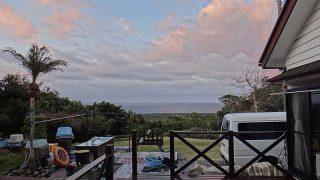 空には雲が増えてきて遅くなると雨も降りだしてきていた3/4の八丈島