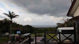 次第に風は強まって荒れた天気となっていた3/14の八丈島