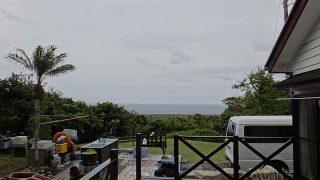 風はそんなに強くはないが次第に雨足強まってきていた5/16の八丈島