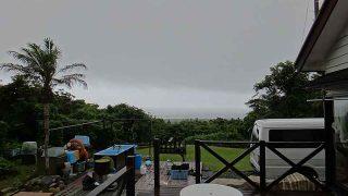 そんなに雨は降らないが空には雲が広がっていた7/1の八丈島