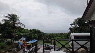 風は強まり雨も降りグズついた天気となっていた7/12の八丈島
