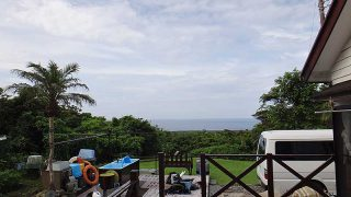 雲は多いが湿度は下がり少し涼しく感じられてた7/13の八丈島