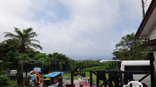 少し雲は増えてはいるが青空あって暑さも続いていた7/27の八丈島