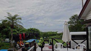 一時まとまった雨も降り落ち着かない空模様となっていた8/31の八丈島