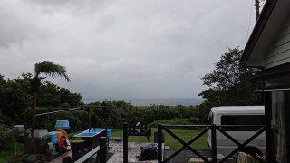 雨風強まり気温も上がらず荒れた天気となっていた10/7の八丈島