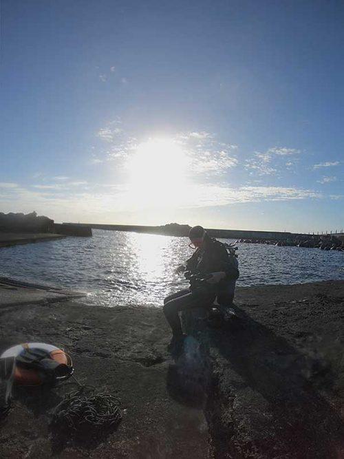 午後も穏やか八重根の海で
