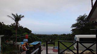 少し雲は増えてはいるが青空も見られていた7/12の八丈島