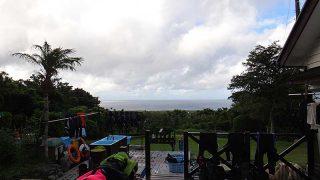 早めのうちは雲は多いが青空が広がってきていた7/25の八丈島