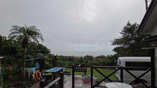 雲は広がり雨もしっかり降ってきていた9/21の八丈島