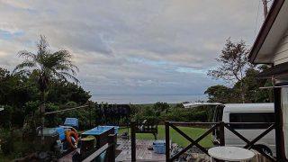 雲は多くはあるが午後には青空も見られていた10/15の八丈島